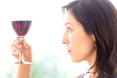Келих червоного вина