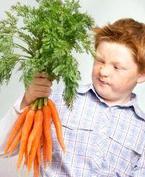 Хлопчик з морквою