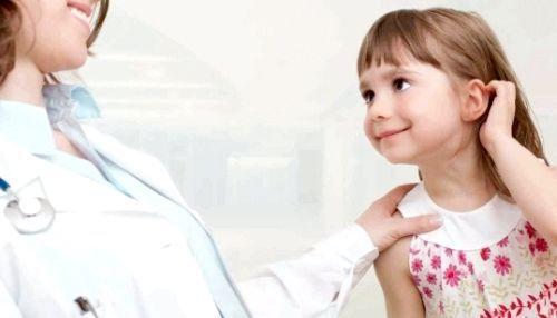 Лікар-алерголог і дівчинка-алергік